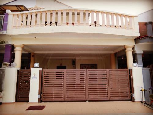Отель OMG! HomeStay (5-min walk to Jonker) 0 звёзд Малайзия