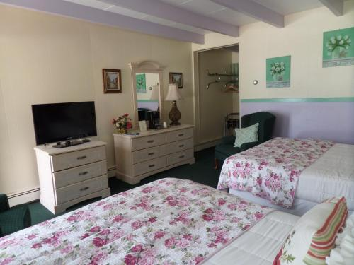 Claddagh Motel & Suites