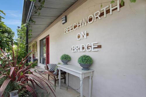 Newtown Park Motel
