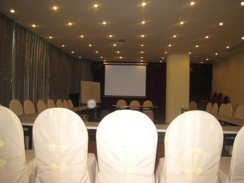 Отель Zhuhai Seaview Hotel 4 звезды Китай
