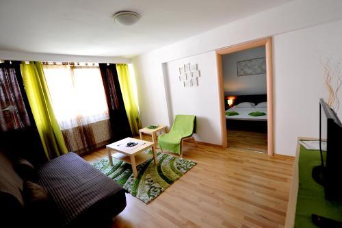 Отель Rainbow Accommodation 3 звезды Румыния