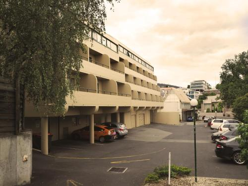 Picture of St Ives Motel Apartments