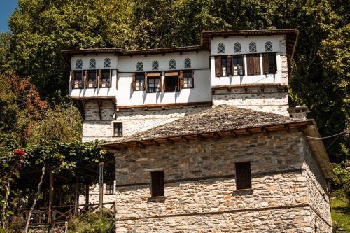 Arhontiko Kontou - Vizitsa Greece