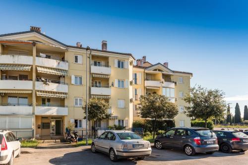 Apartment Sunny Moela