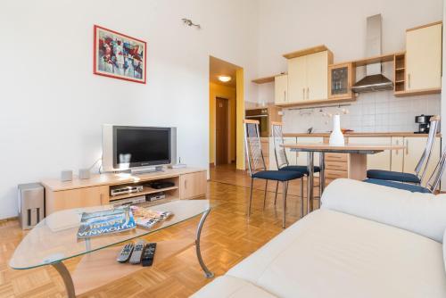 Отель Apartment Sunny Moela 3 звезды Хорватия