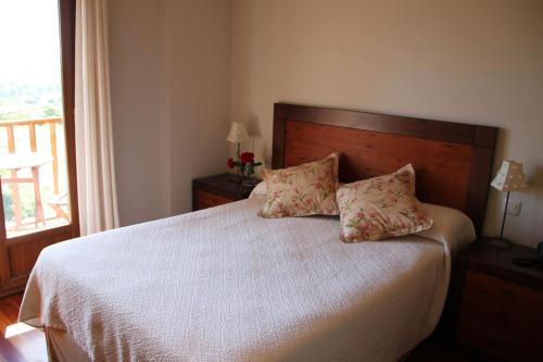 Double or Twin Room - single occupancy Villa Mencia 2