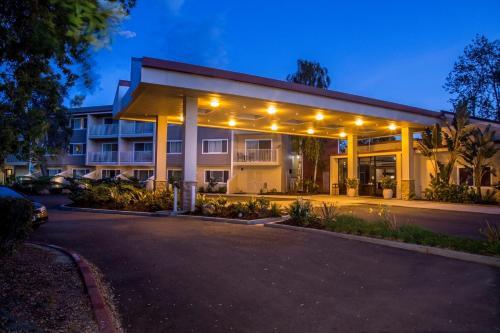 Picture of Best Western Plus Garden Court Inn