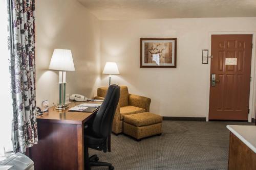 Comfort Inn & Suites Lancaster