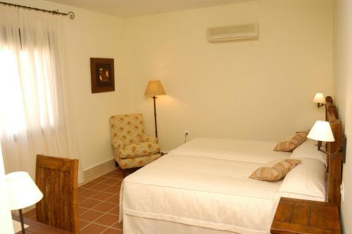 Habitación Doble Estándar - 1 o 2 camas Hotel Sindhura 3
