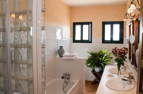 Doppel-/Zweibettzimmer mit Balkon und Meerblick Hotel Sindhura 2