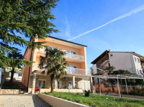 Three-Bedroom Apartment Crikvenica 3