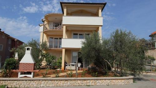 One-Bedroom Apartment Malinska near Sea
