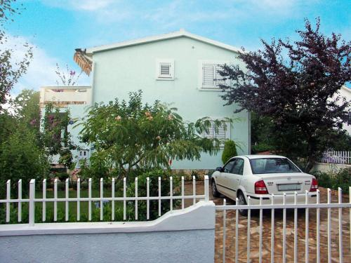 Apartment Vir 1