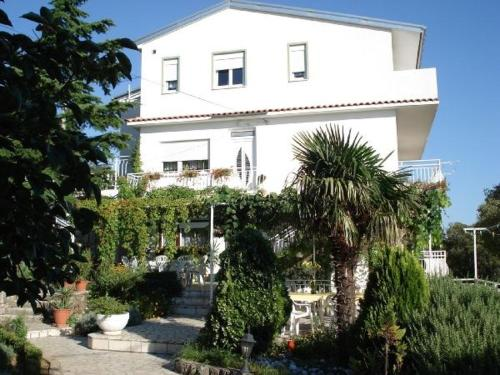 One-Bedroom Apartment in Crikvenica LI