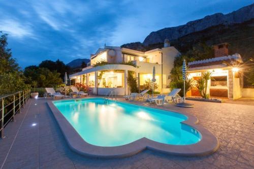 Two-Bedroom Holiday Home in Makarska II