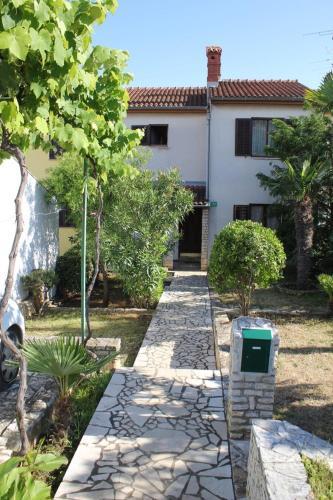 Three-Bedroom House in Pula I