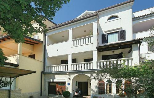 Apartment Porec, Mirna River 10