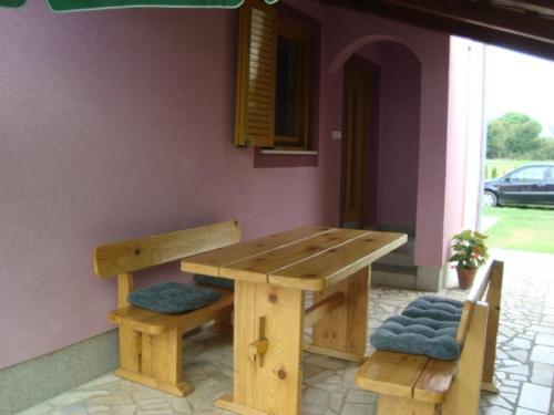 Two-Bedroom Apartment Fazana near Sea