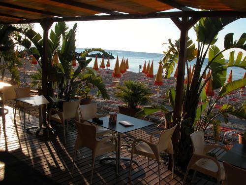Hotel alexander giardini naxos sicily - Hotel alexander giardini naxos ...
