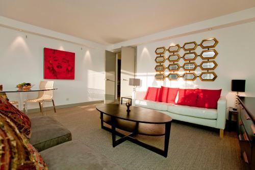 Modern Chelsea Apartment SW10