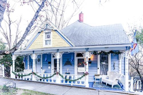 Chantilly Lace Inn