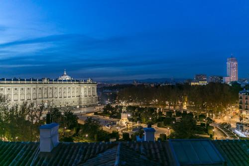Habitación Doble Deluxe Hostal Central Palace Madrid 1