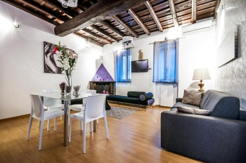 Trevi Holidays Apartment