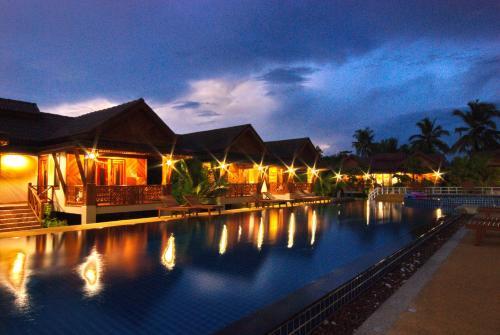 Отель Sangsawan Palace Khaolak Resort 3 звезды Таиланд