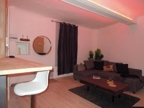 Colombet Stay's - Rue Rousseau - 3
