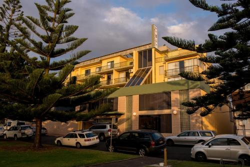 Picture of Newcastle Beach Hotel