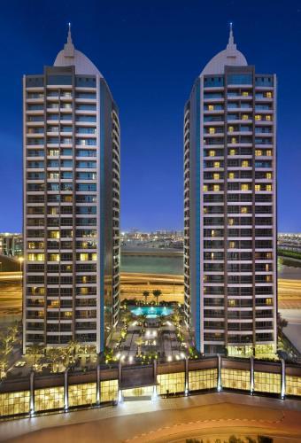 Atana Hotel, Дубай