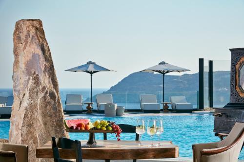 Royal Myconian Resort & Villas