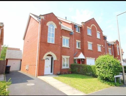 Executive 4 Bed Holiday Home