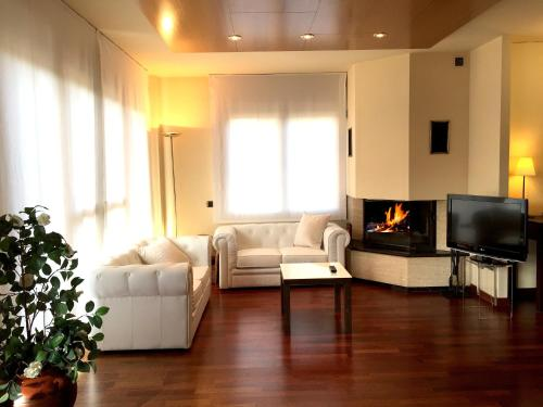 Suite with Fireplace and Spa Access Hotel Del Lago 1