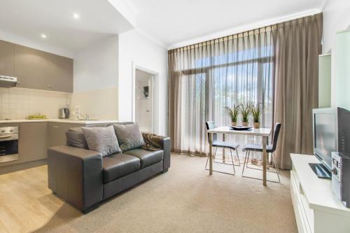 Adelaide DressCircle Apartments - Ward Street