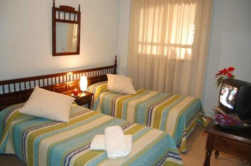 Double or Twin Room - Guestroom Hostal Los Infantes