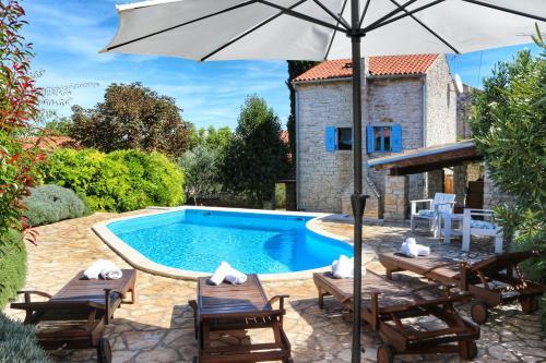 Отель Villa Lucija 3 звезды Хорватия