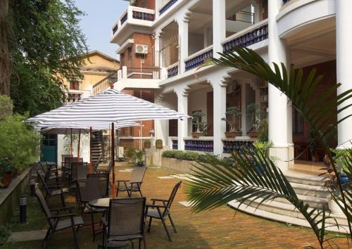 Отель Corinthian House 3 звезды Китай