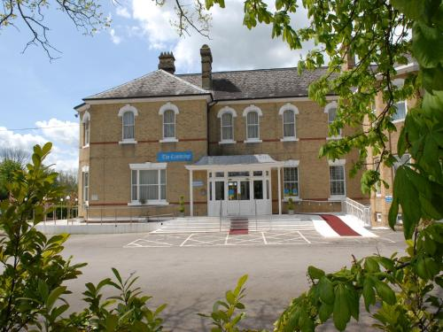 Gatwick Cambridge Hotel