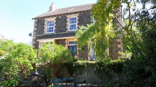 Glanarvon House,Llanfairfechan