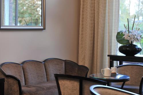 mercure maurepas saint quentin h tel 1 rocade de. Black Bedroom Furniture Sets. Home Design Ideas