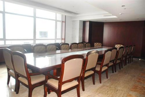 Отель Qinhuangdao Wenjing Business Hotel 4 звезды Китай