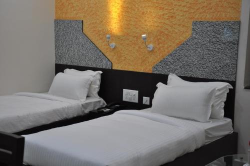 HotelWorld Choice Savera Premier Hotel