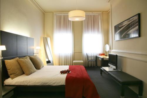 The Sumner Hotel - image 14