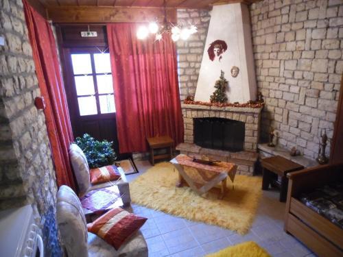 Elatos Rooms