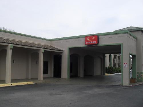Picture of Econo Lodge North Austin
