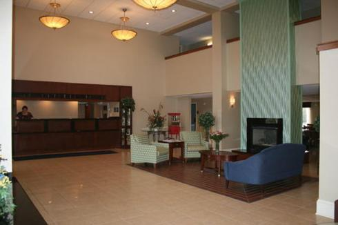 Lobby Holiday Inn Express Seaford-Route 13
