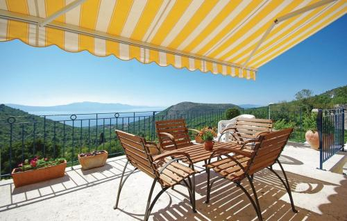 Two-Bedroom Holiday home Zaostrog with Sea View 08