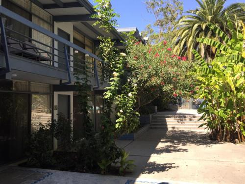 Highland Gardens Hotel Westwood Los Angeles County California Rentals And