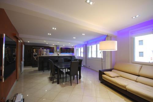 Appartement luxe 3 chambres proche carlton location for Trouver hotel proche adresse